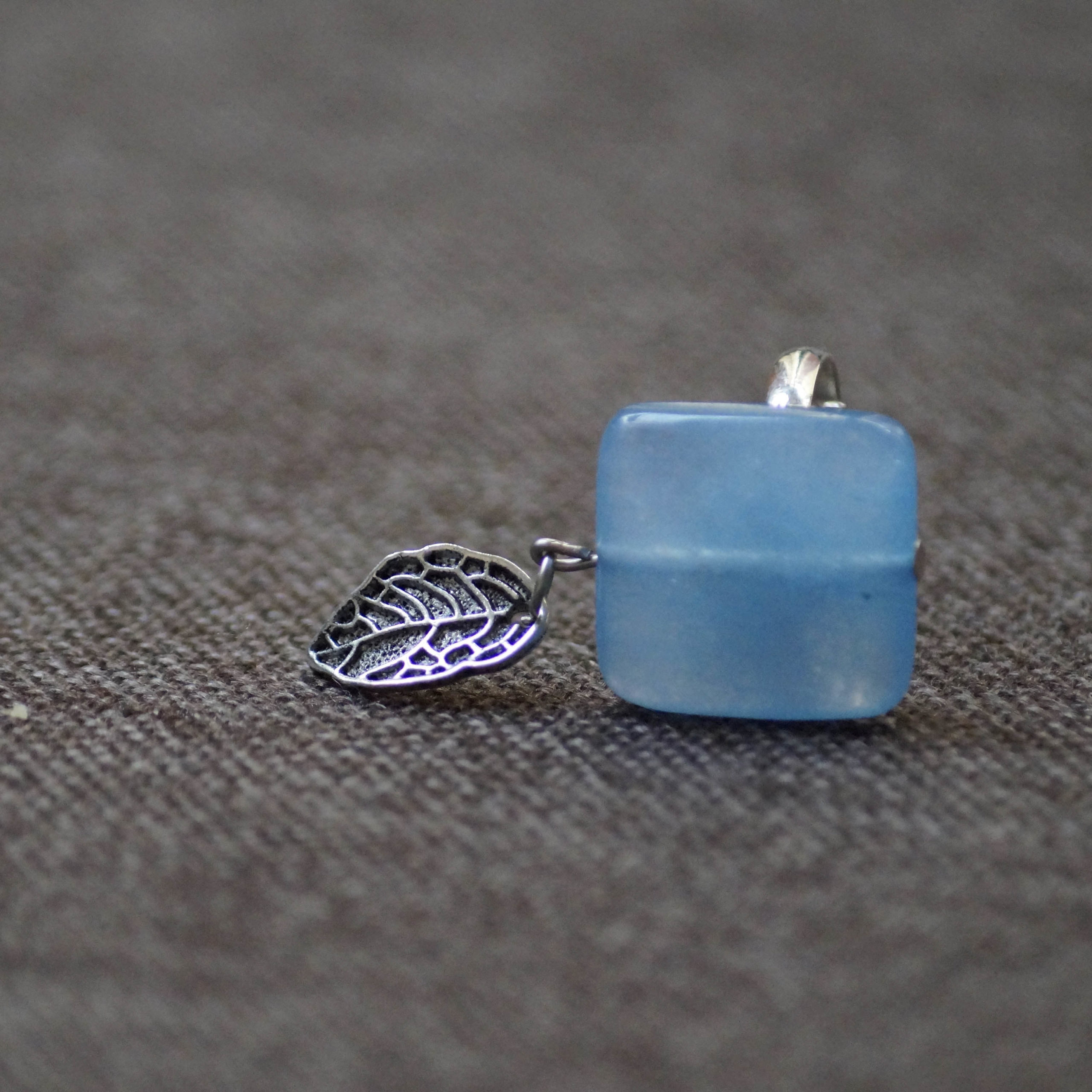 FR-blue stone and leaf